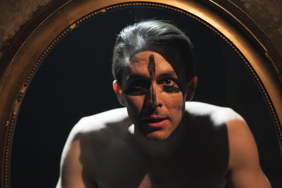 Daniel Bambas (Krás(k)a na scéně)