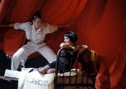 Z inscenace muzikálu Cabaret