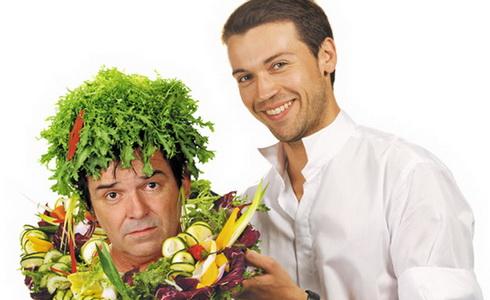 Lukáš Hejlík a Erik Pardus v inscenaci Blbec k večeři