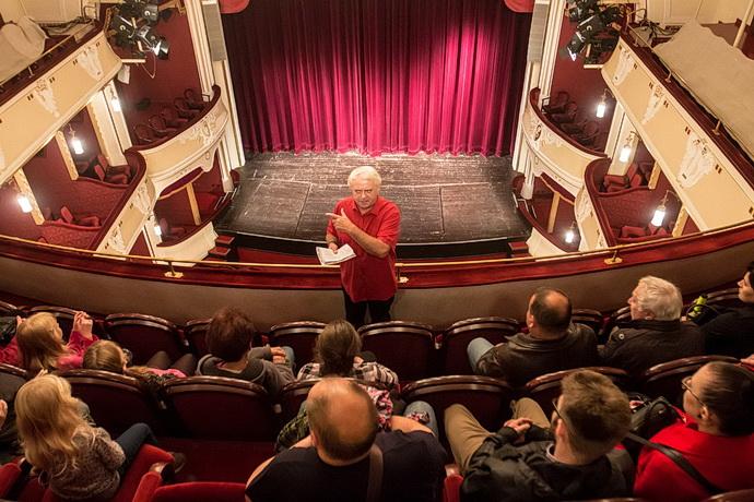 Zdeněk Rumpík jeden z průvodců divadlem