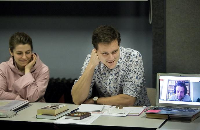 V. Watzková, L. Kopecký a online Pavel Drábek při zkoušce