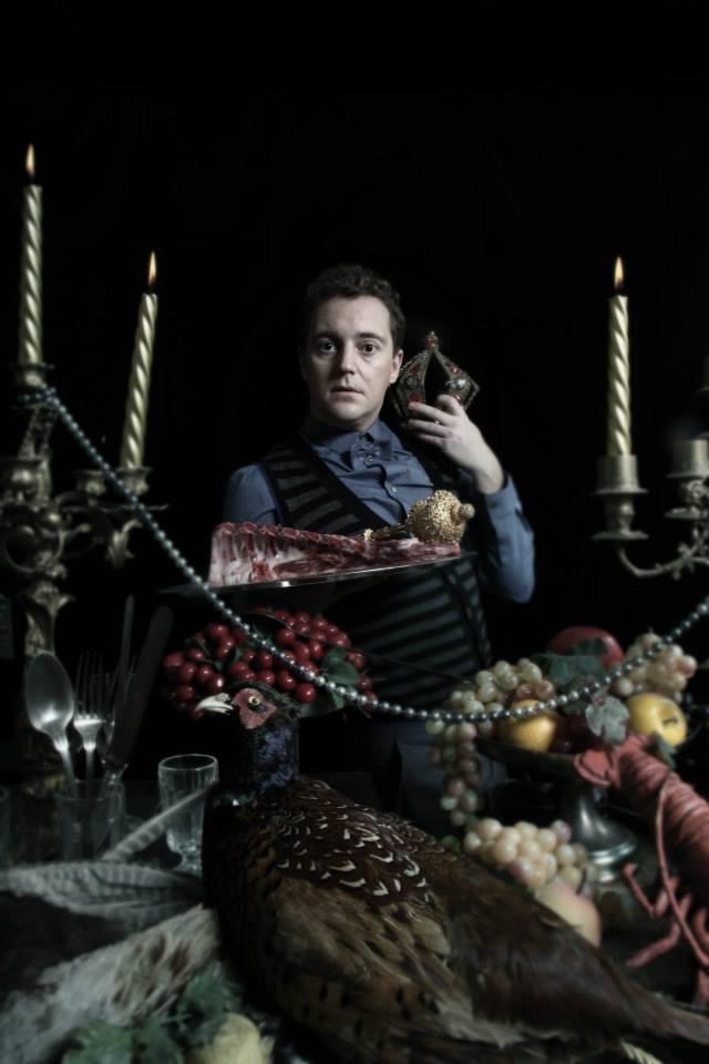 Herec Michal Kern v inscenaci Kitchen Drama