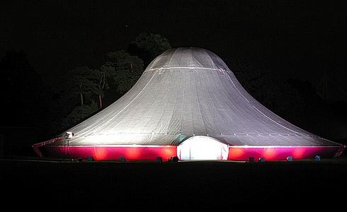 NoFit State Circus �apito