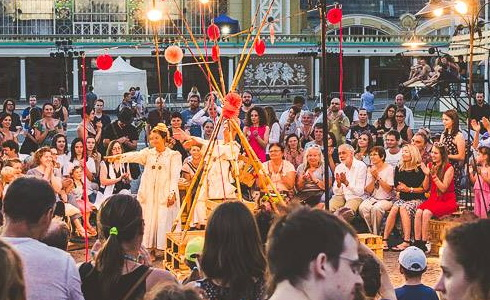Festival Za dveřmi
