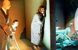 Uprostřed Marie Spurná (Foto archiv divadla)