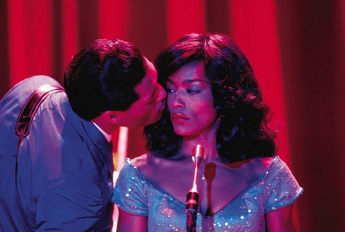 A. Bassettová (Tina Turner)