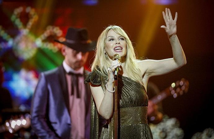 Kylie Minogue (Pocta Alžbětě II.)
