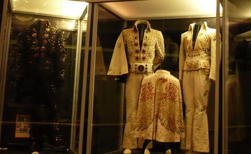 Elvisovy kostýmy (Zdroj: A. Beranová)