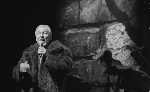 Karel Gott a Leoš Mareš ve videoklipu Stále mlád