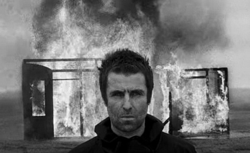Liam Gallagher v klipu Shockwave