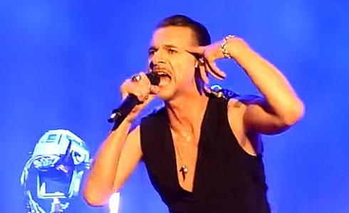 Depeche Mode - Dave Gahan v akci