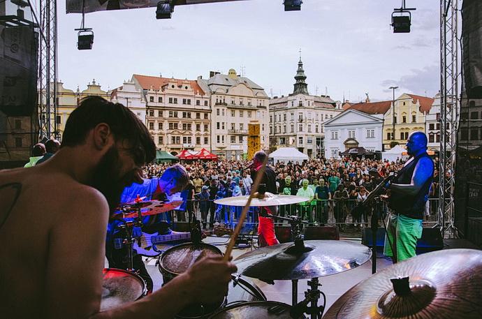 Hudba z Živé ulice v Plzni
