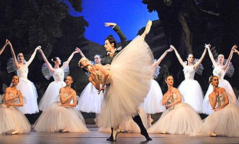 Z inscenace baletu La Sylphide/Napoli