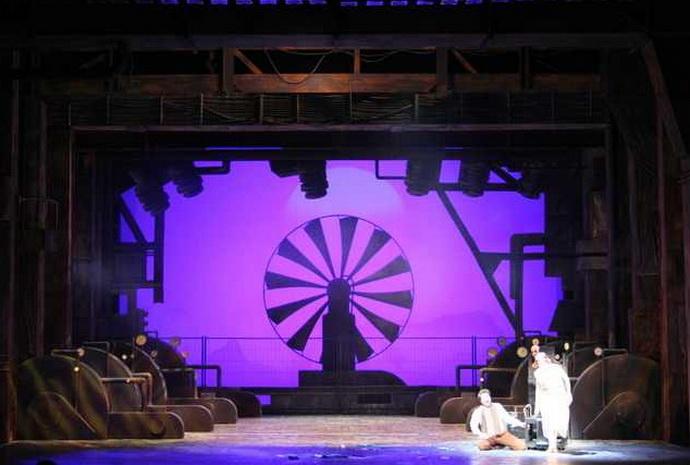 Z inscenace opery Zázrak Heliany