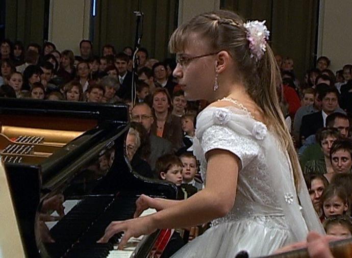 Klavíristky Sofie a Viola Mojzešovy
