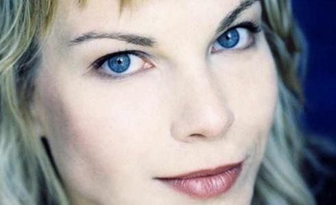 Elina Garanča  (Zdroj: S. Fowler / Virgin Classics)