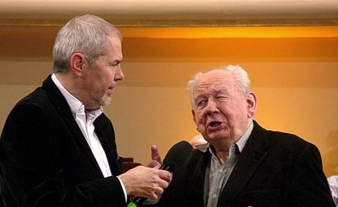 Zkouška orchestru: Vymazlený Strauss a hustý Janáček