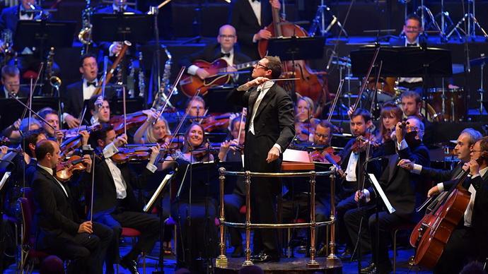 Orchestr Johna Wilsona hraje Gershwina