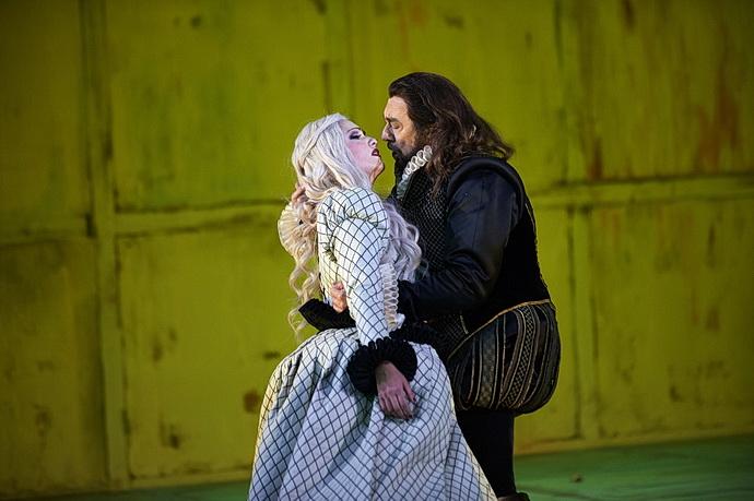 Anna Netrebko a Plácido Domingo (Trubadúr)
