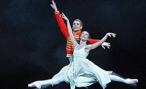 Louskáček (Královský balet Londýn)