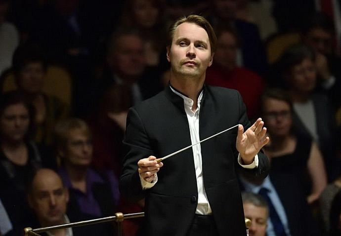 Šéfdirigent FOK Pietari Inkinen