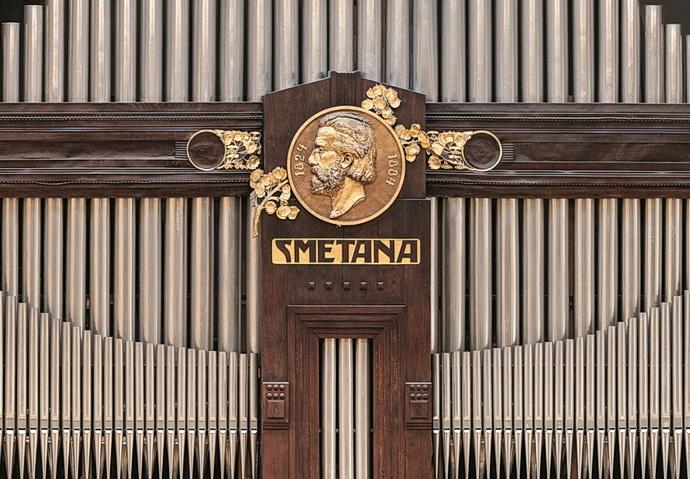 Varhany ve Smetanově síni