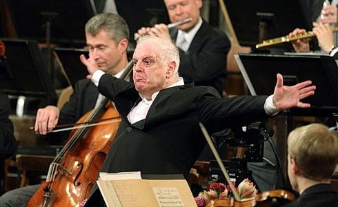 Dirigent Daniel Barenboim s Vídeňskými filharmoniky