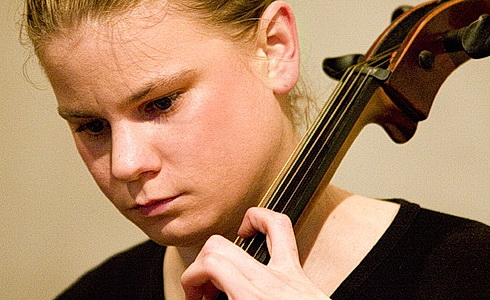 Anna Brikciusová - violoncello
