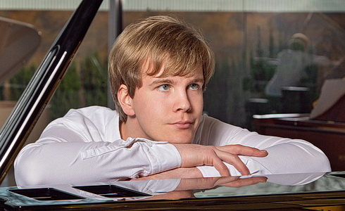 Klavírista Matyáš Novák
