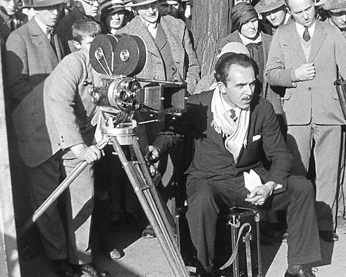 """Martin Fri� p�i re��rov�n� filmu """"P�ter Vojt�ch"""" (1929)"""