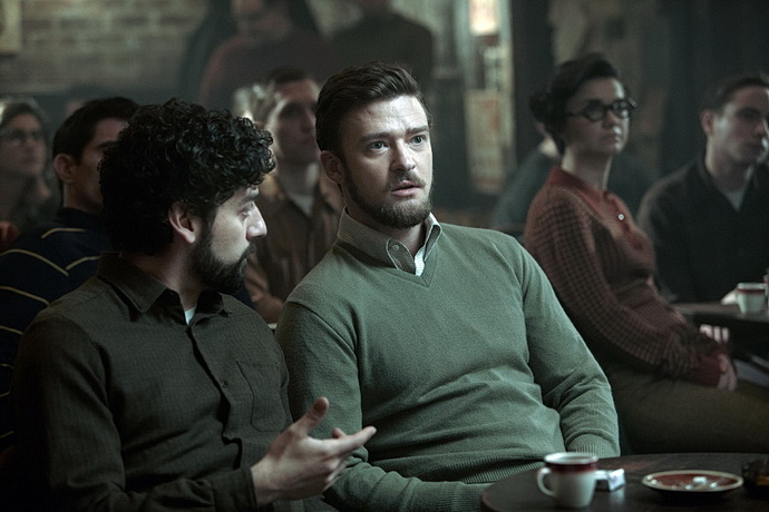 J. Timberlake  (V nitru Llewyna Davise)