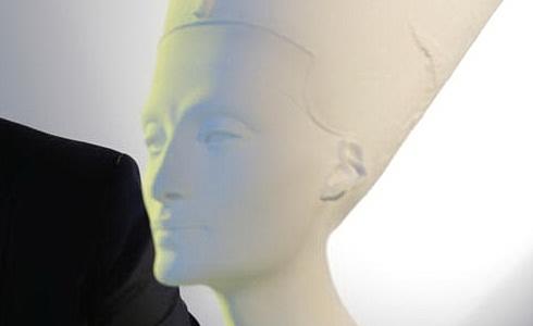 Busta královny Nefertiti