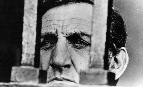 Lino Ventura (Ctihodné mrtvoly)