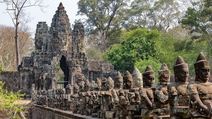 Opustit Angkor