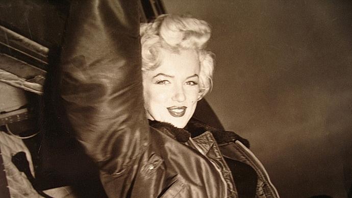 Marilyn Monroe v Koreji, 1954