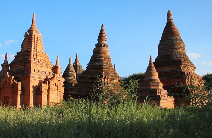 Pugam, město tisíců chrámů