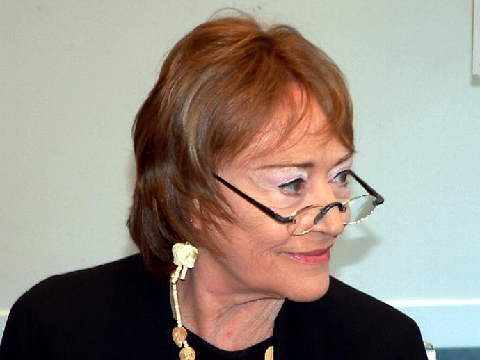 Annie Girardot v redakci