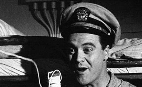 Jack Lemmon ve snímku Pan Roberts