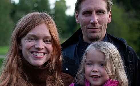 Ester Geislerova a Pekka Strang ve filmu Mona