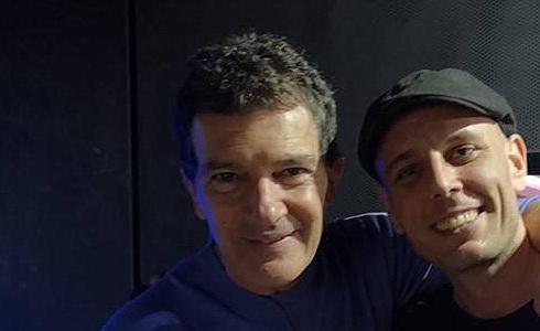 Alex Dowis a Antonio Banderas