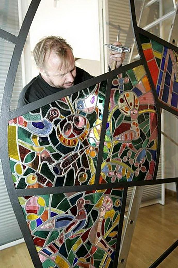 Svolinského čtyřmetrová vitráž odpočívala více než 50 let