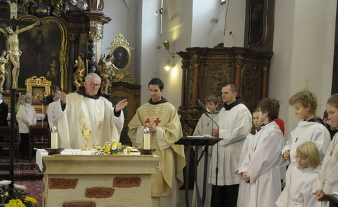 Mše v kapli sv. Michala - Kostel P. Marie Sněžné Praha