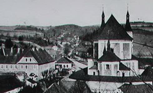 Kostel a klášter r. 1900/ Stará voda