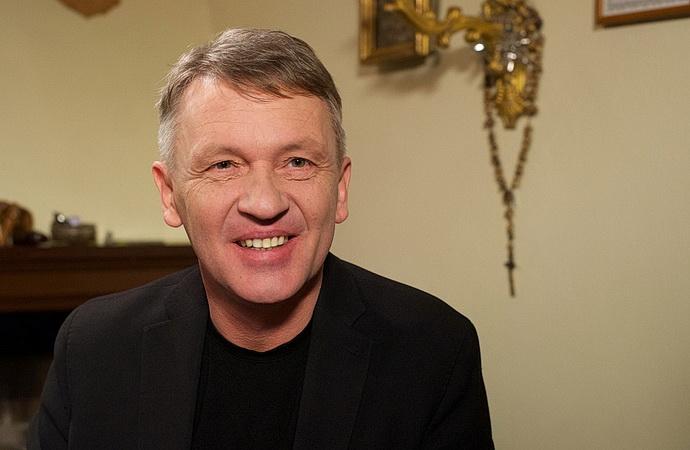 Zbigniew Czendlik (Uchem jehly)