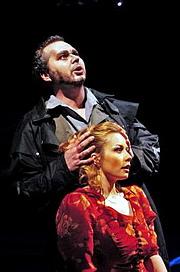 Nikolaj Někrassov (Michele) a  Jitka Burgetová (Giorgetta) v inscenaci Plášť, Gianni Schicchi