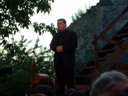 Ředitel divadla Petr Dohnal při děkovné řeči