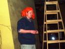 Oranžová paruka demonstrující rozpustilost Dětí z Bullerbynu Astrid Lindgrenové.