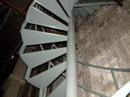 Točité schodiště do dalšího výškového tábora.