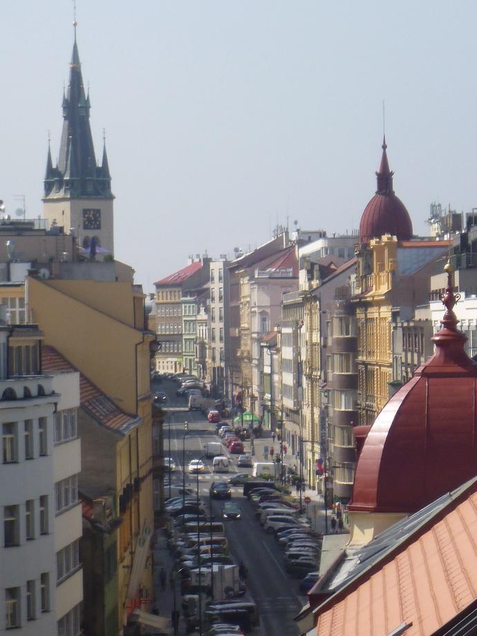 Výhled směrem ke Karlovu náměstí.